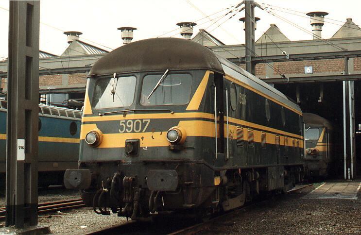 El juego de las imagenes-http://www.railfaneurope.net/pix/be/diesel/mainline/59/5907hainestp_1983.jpg