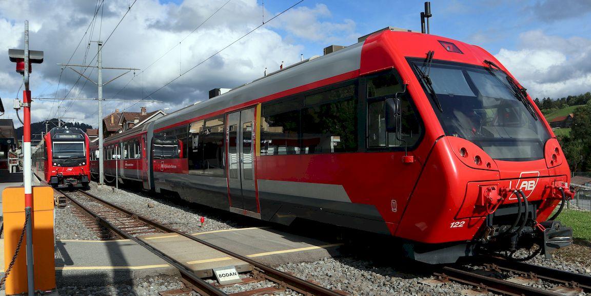 http://www.railfaneurope.net/pix/ch/narrow_gauge/AB/car/ABt/121-123/AB_122_ur1.jpg