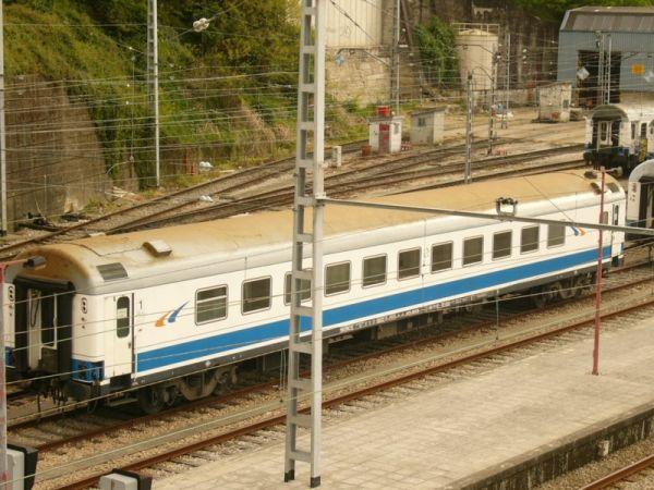 [Imagen: RENFE_A12t-9000_Vigo_1.jpg]