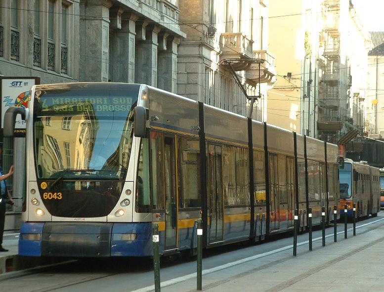 Picture gallery directory pix it trams torino 6000 - Gtt torino porta nuova ...