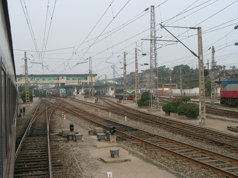http://www.railfaneurope.net/pix/ne/China/station/Xian/07_128.jpg