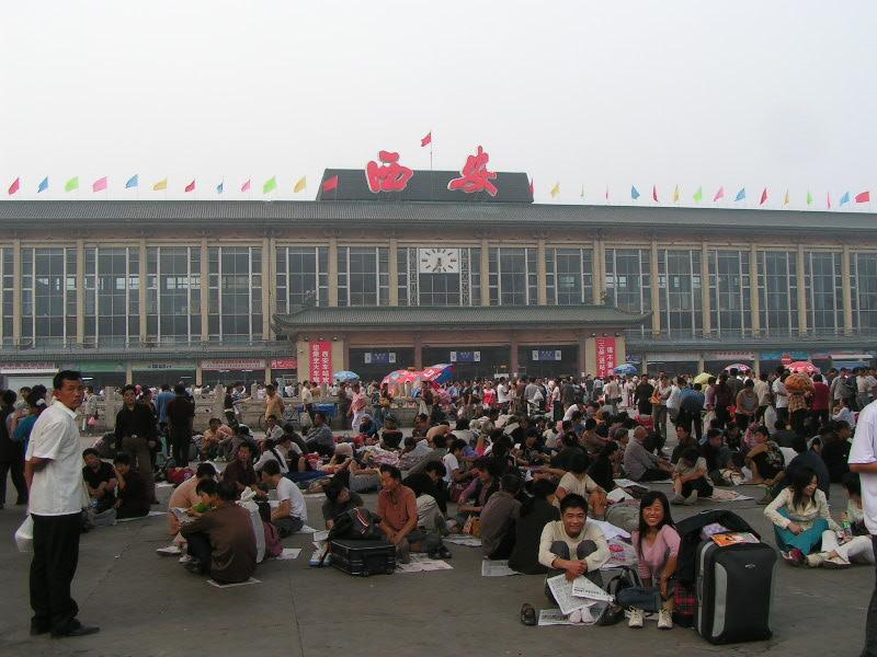 http://www.railfaneurope.net/pix/ne/China/station/Xian/07_158.jpg